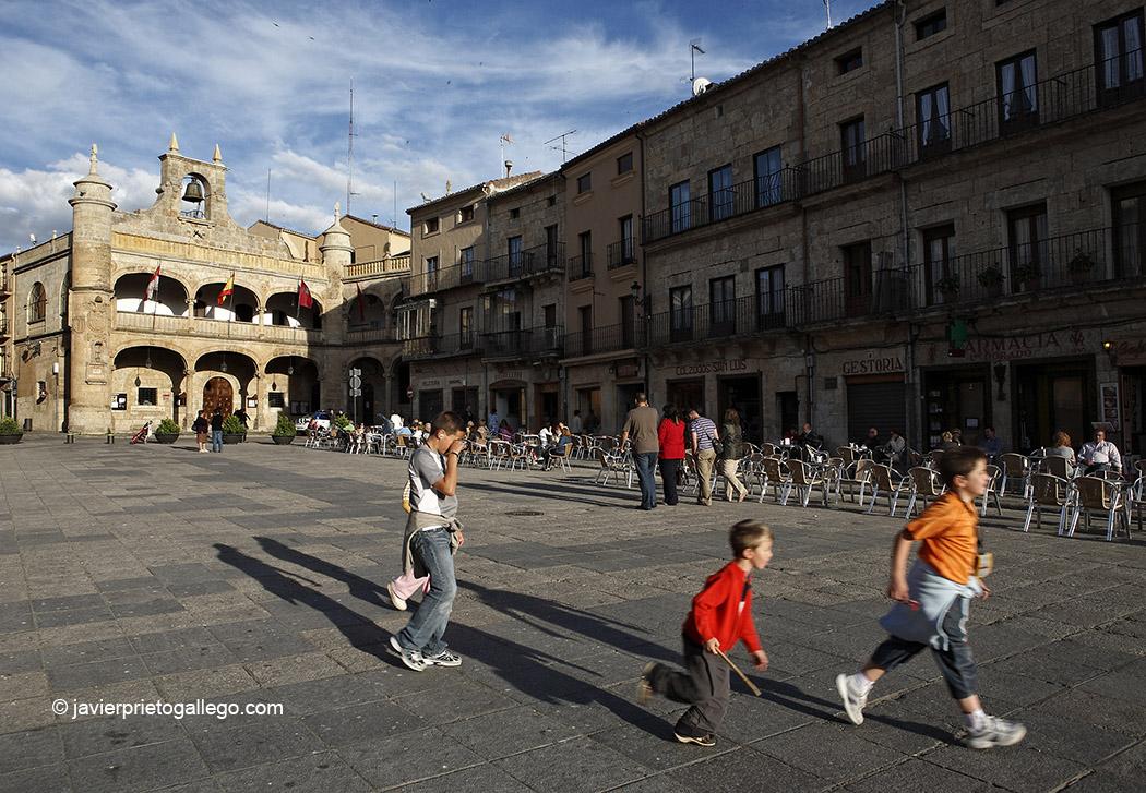 Ruta de las Fortificaciones de Frontera. Plaza Mayor. Ciudad Rodrigo. Salamanca. Castilla y León. España. © Javier Prieto Gallego