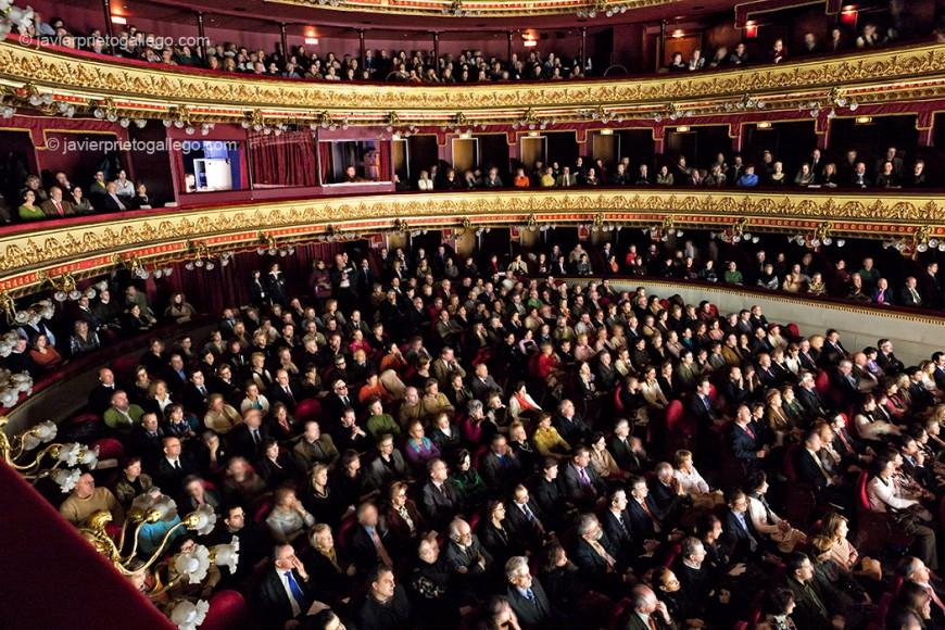 Patio de butacas del teatro Calderón de Valladolid durante un concierto. Valladolid. Castilla y León. España, 2007 © Javier Prieto Gallego