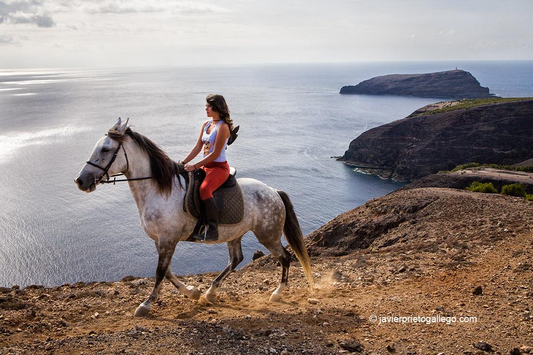 Paseo a caballo. Isla de Porto Santo. Archipiélago de Madeira. Portugal, 2007 © Javier Prieto Gallego