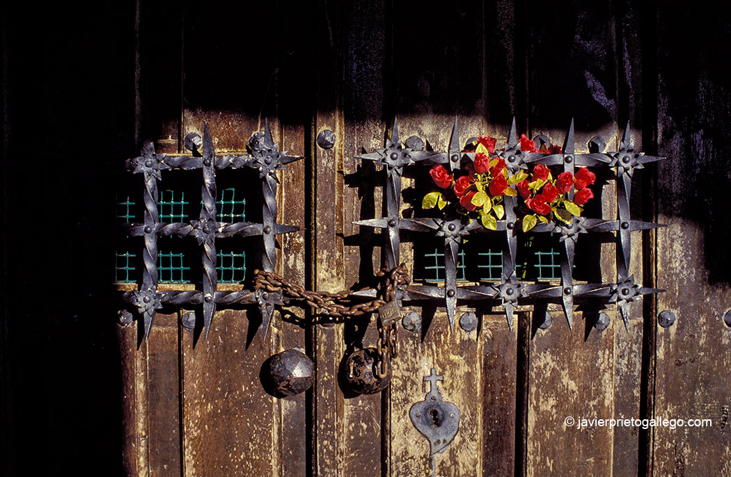 Ermita del puerto del Pontón, en el inicio de la Senda del Arcediano. León. Castilla y León. España, 1999 © Javier Prieto Gallego;