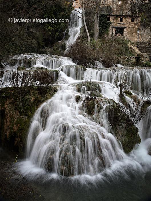 Cascada de Orbaneja del Castillo. Burgos. Castilla y León. España, 2006 © Javier Prieto Gallego;