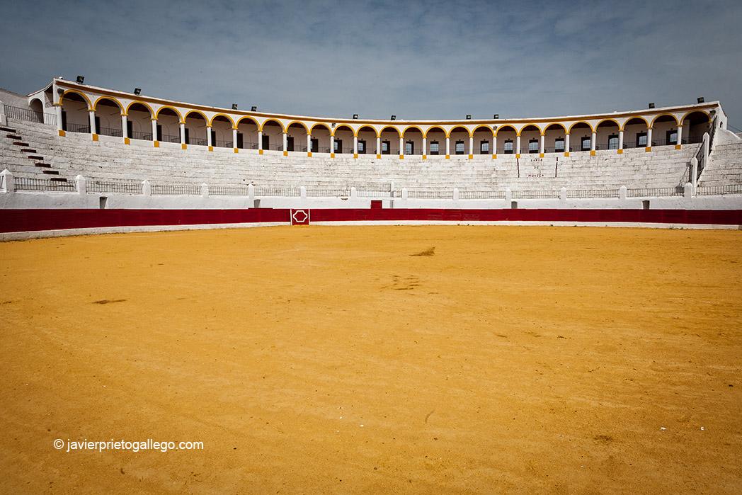 Plaza de toros embutida en el Castillo de las Siete Torres. Barcarrota. Comarca de Los Llanos de Olivenza. Badajoz. Extremadura. España, 2007 © Javier Prieto Gallego
