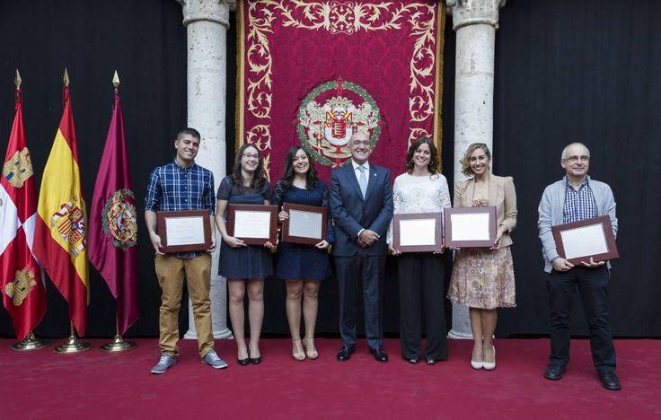 Entrega de los Premios de Periodismo Provincia de Valladolid 2014. Palacio de Pimentel. Valladolid. Castilla y León. España © Javier Prieto Gallego.
