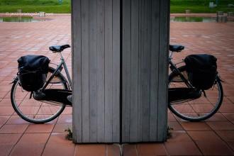 Bicicleta en Enkhuizen, en la región de Noord Holland, Holanda, 2005 © Javier Prieto Gallego