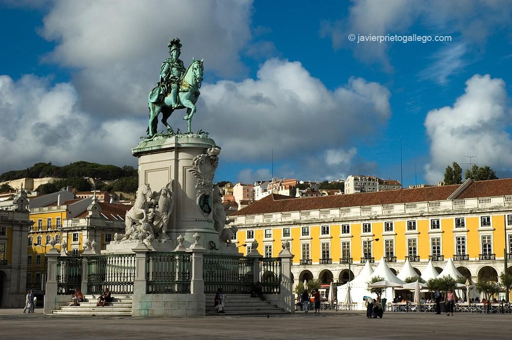 Estatua del rey José I inaugurada en 1775, en la plaza del Comercio. Lisboa. Portugal. © Javier Prieto Gallego
