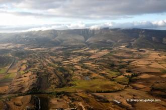 El valle de Medina de Pomar desde el aire. Ruta de Carlos V. Burgos. Las Merindades. Castilla y León. España. © Javier Prieto Gallego