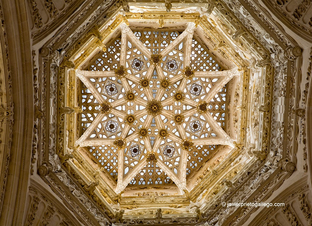 Bóveda del cimborrio de la catedral de Burgos. Castilla y León. España. © Javier Prieto Gallego