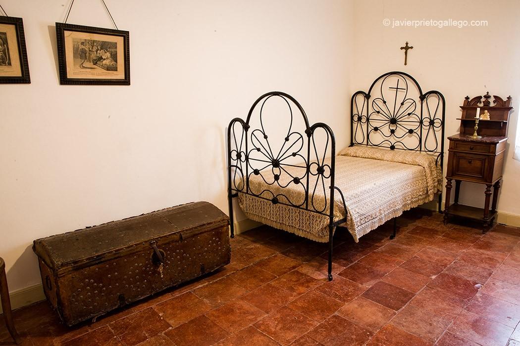Dormitorio del tío del poeta. Museo Casa de José Zorrilla. Valladolid. Castilla y León. España, 2008 © Javier Prieto Gallego