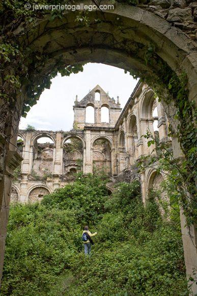 Claustro renacentista. Monasterio cisterciense de Santa María de Rioseco.  Burgos.Castilla y León. España 2008 © Javier Prieto Gallego