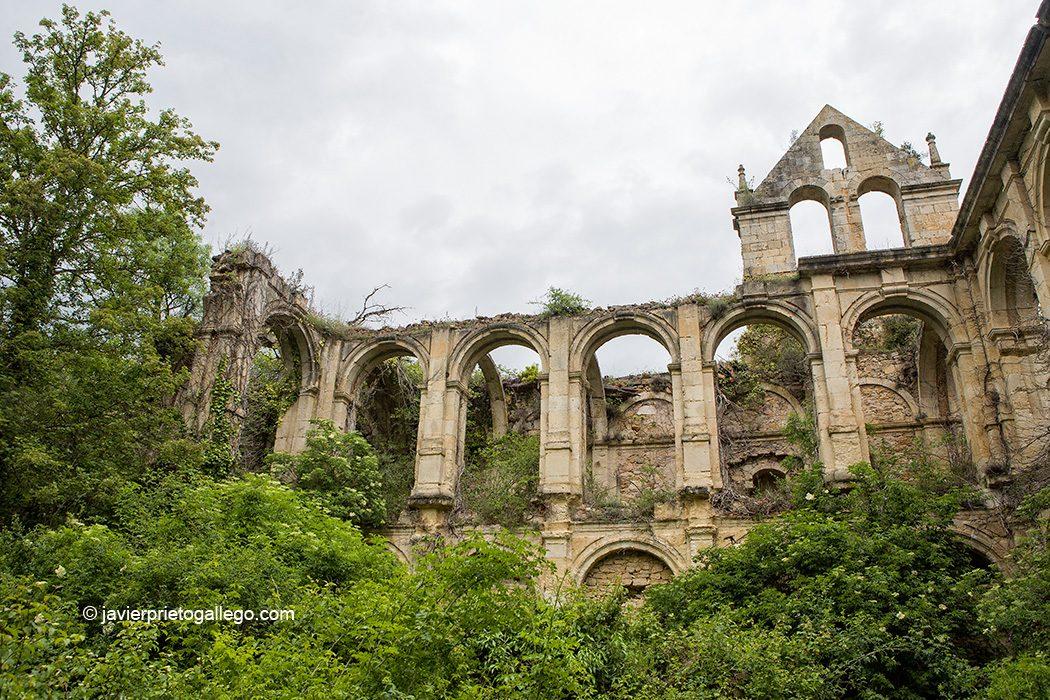 Claustro renacentista. Monasterio de Santa María de Rioseco. Siglo XIII. Burgos.Castilla y León. España. © Javier Prieto Gallego
