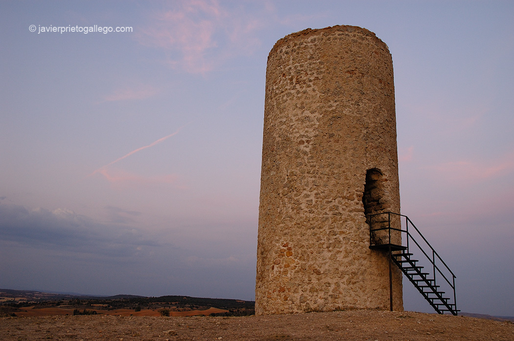 Atalaya defensiva musulmana de Quintanilla de los Barrios. cerca de San Esteban de Gormaz. Soria. Castilla y León. España © Javier Prieto Gallego;