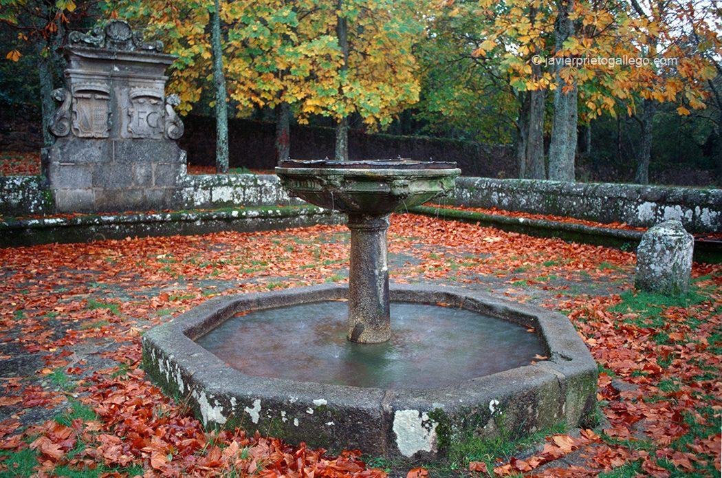 Fuente de los ocho caños. Jardín romántico de El Bosque. Localidad de Béjar. Sierra de Béjar. Salamanca. Castilla y León. España.© Javier Prieto Gallego