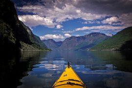 Recorrido en kayak por el fiordo de Aurlandfjord. Noruega. © Javier Prieto Gallego