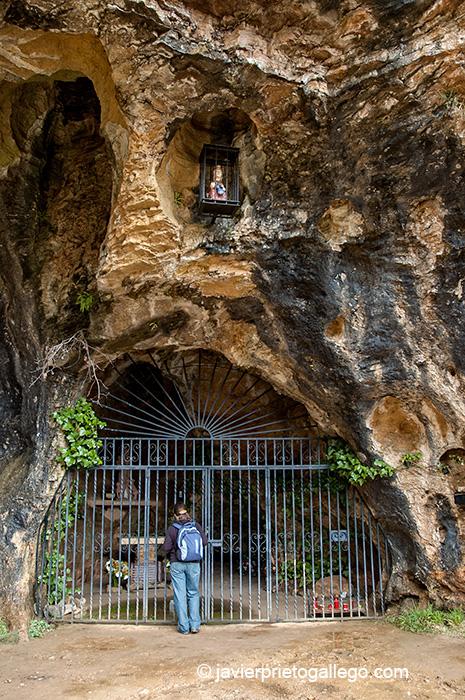 Ermita Virgen del Manadero. Desfiladero de los Calderones. Localidad de Piedrasecha. León. Castilla y León. España.© Javier Prieto Gallego