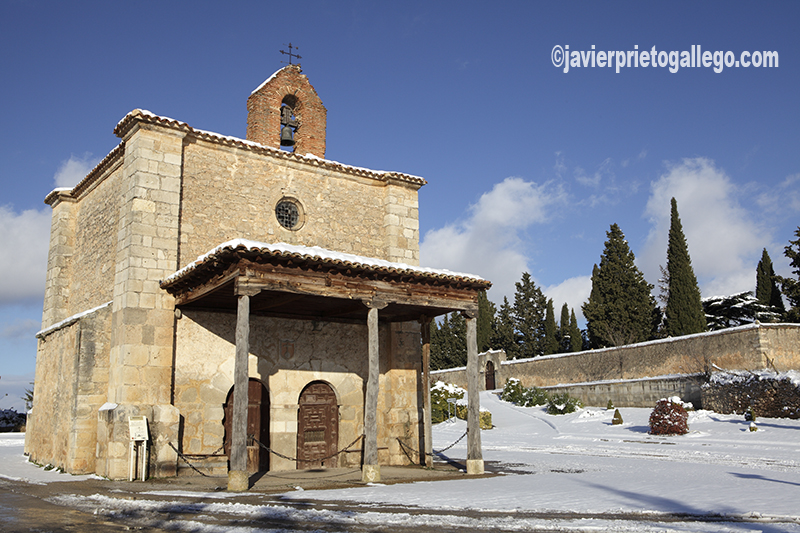 Ermita de la Soledad y cementerio. Berlanga de Duero. Soria. Castilla y León. España. © Javier Prieto Gallego;