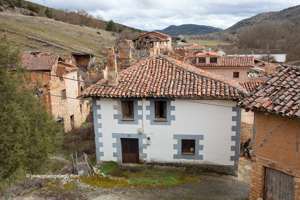 Localidad de Castroceniza. Burgos. Castilla y León. España © Javier Prieto Gallego