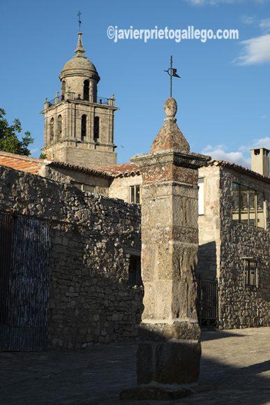 Rollo jurisdiccional y torre de la colegiata de Santa María. Medinaceli. Soria. Castilla y León. España. © Javier Prieto Gallego