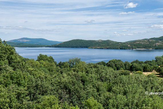 El Lago de Sanabria desde la Senda de los Monjes. Zamora. Castilla y León. España. © Javier Prieto Gallego;