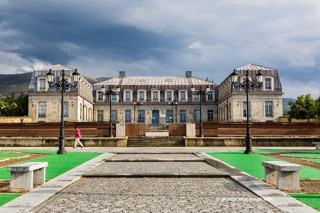 Fachada delantera del Palacio Ducal de Piedrahíta. Piedrahiíta. Valle del Corneja. Ávila. Castilla y León. España. © Javier Prieto Gallego
