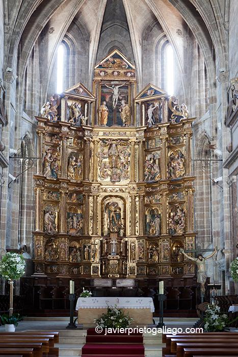 Retablo mayor de la colegiata de San Miguel Arcángel. Siglo XVI. Aguilar de Campoo. Palencia. Castilla y León. España © Javier Prieto Gallego