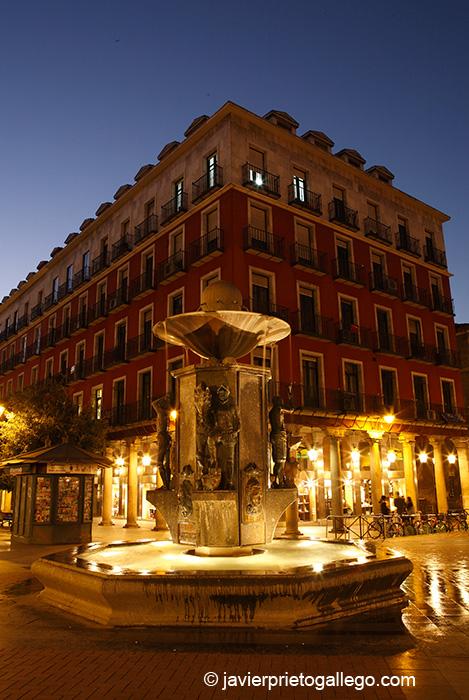 Plaza de Fuente Dorada. Valladolid. Castilla y León. España © Javier Prieto Gallego