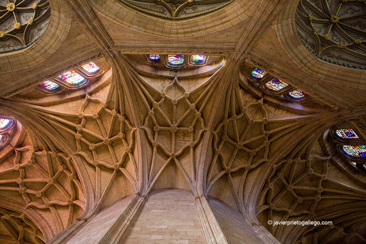 Girola. Cabecera de la catedral de Segovia. Castilla y León. España. © Javier Prieto Gallego