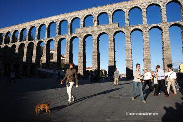 Acueducto, catedral y alcázar enhebran un paseo por la Segovia más monumental y deslumbrante