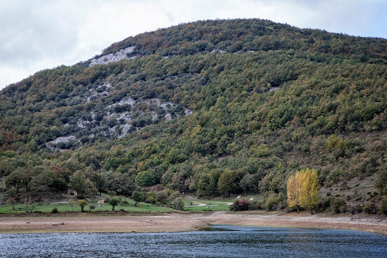 Embalse de Ruesga. Parque Natural de Fuentes Carrionas. Montaña Palentina. Valle Estrecho. Palencia. Castilla y León. España. © Javier Prieto Gallego