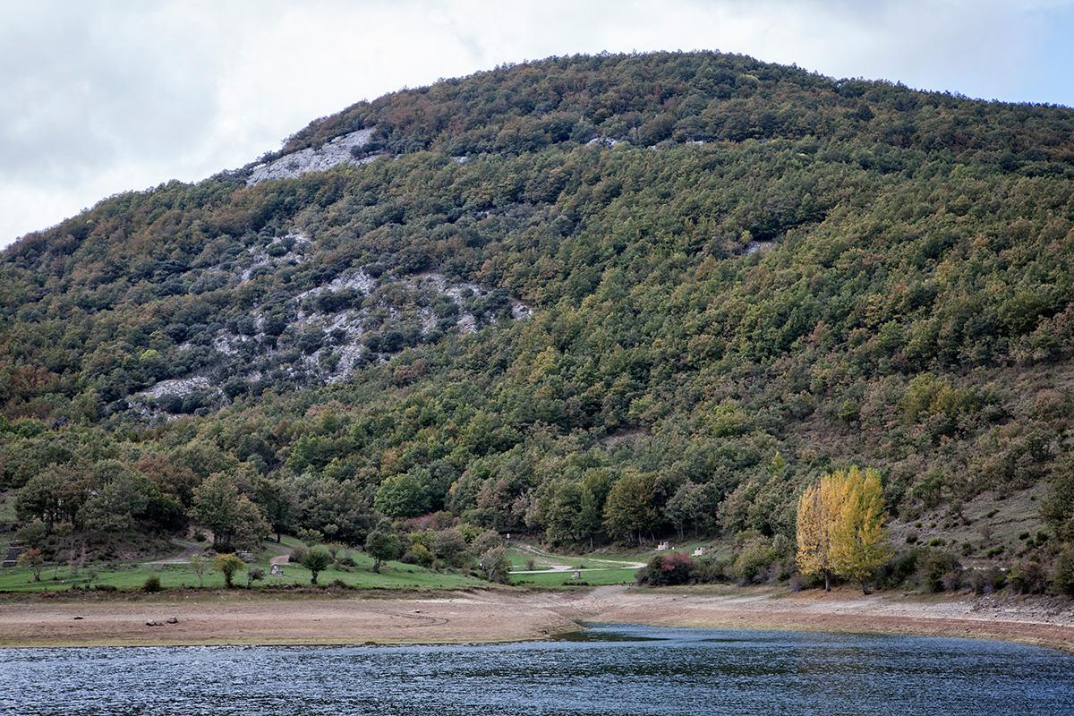 Embalse de Ruesga. Parque Natural de Fuentes Carrionas. Montaña Palentina. Valle Estrecho. Palencia. Castilla y León. España. Javier Prieto Gallego
