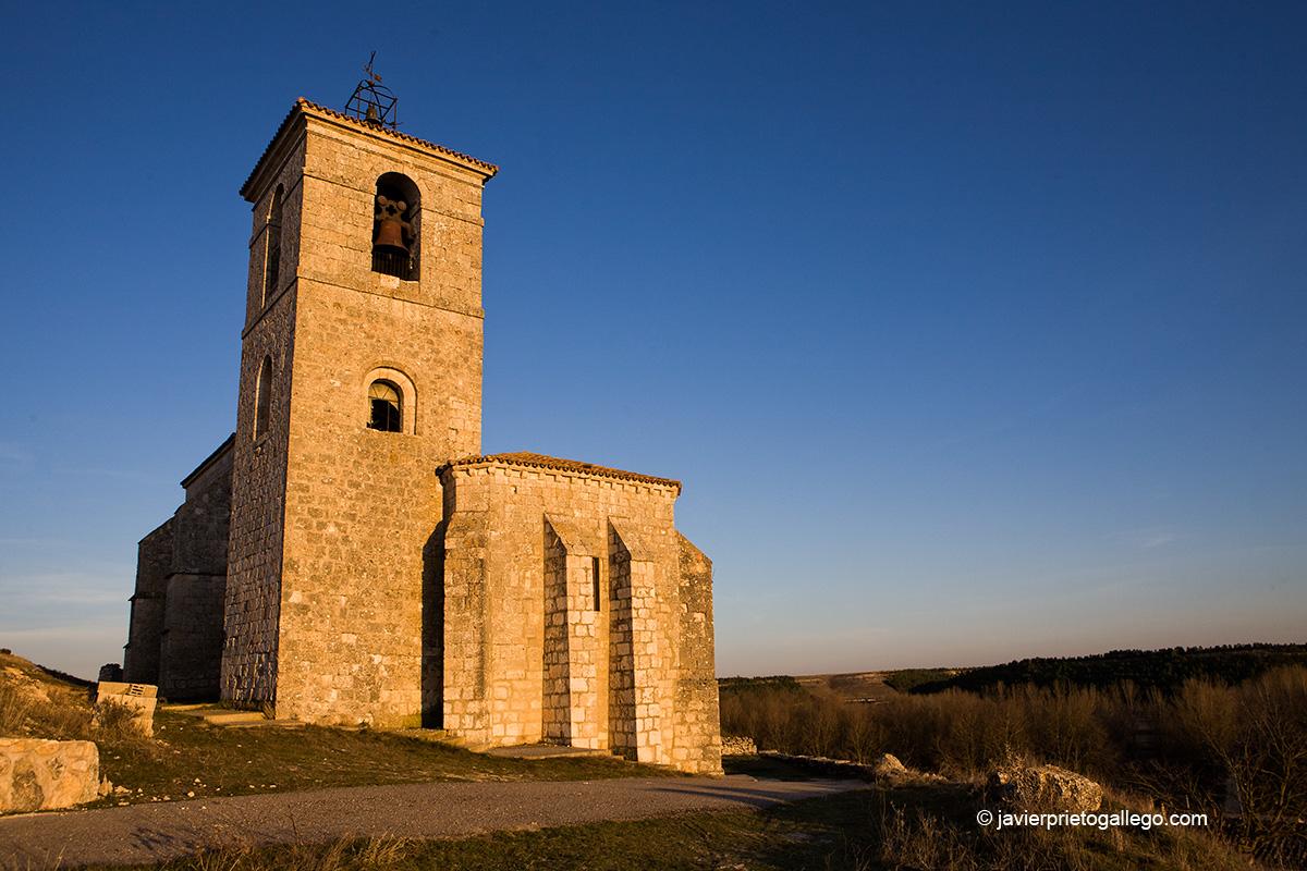 Templo de San Martín. Siglo XVI. Cabañes de Esgueva. Río Esgueva. Burgos. Castilla y León. España © Javier Prieto Gallego